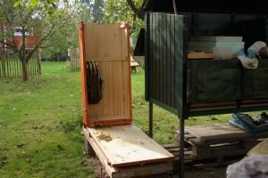 hochgestellte-Bienenkiste